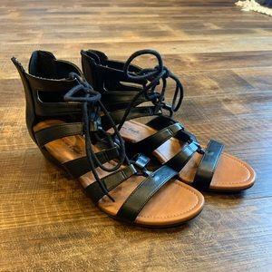 3/$20🛍 American Eagle Wedge Sandals